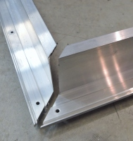 Aluminum Passthrough Frame Corner Joint
