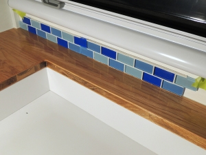 Evaluated kitchen backsplash material