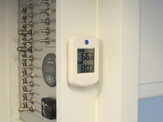 Installed digital inside/outside thermometers