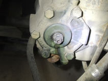 Lubricated and measured steering box adjustment stud size
